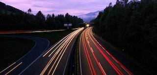 他人が敷いた高速道路を駆け抜ける
