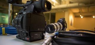 ハーバード ビジネス スクール主催イベント「TV, Disrupted」の ライブ ストリームの舞台裏