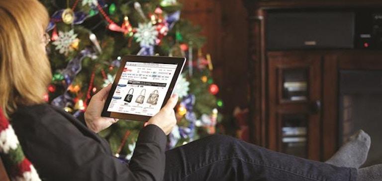 2014 年のクリスマス商戦:時代は実店舗から Web サイトへ