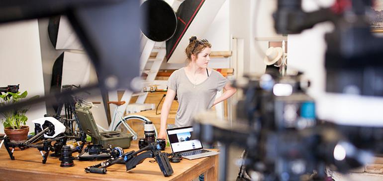 動画の制作から公開までのフローを整理し、会社内での動画コミュニケーションを拡大しよう