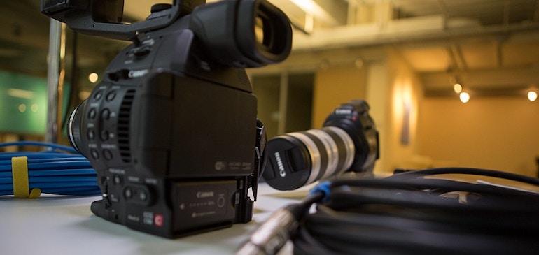 """So haben wir es gemacht: Das Live-Stream-Event """"Fernsehstörung"""" der Harvard Business School"""